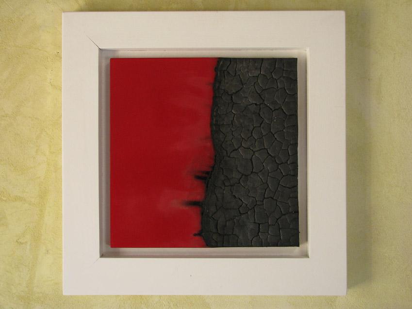 -Oltre-il-rosso--47x47cm---legno-bruciato,-vernice